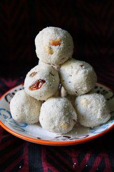 Rava Ladoo (Laddu) / Sooji ( Semolina) Sweet Balls / Sooji Ladoo (Laddoo) - Diwali Recipes