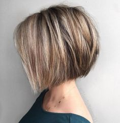 Straight Textured Angled Bronde Bob For a hairstyle that works great with super-straight locks, try out a chin length bob with choppy layers. High on texture and angles and short on fuss, it's a wash-and-wear cut that looks great on most women. Choppy Bob Hairstyles, Short Hairstyles For Thick Hair, Haircut For Thick Hair, Short Bob Haircuts, Curly Hair Styles, Chin Length Hairstyles, Easy Hairstyles, Wedding Hairstyles, Short Hair Cuts Girls
