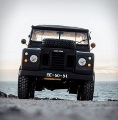 The Land Rover Defender is the coolest and most photographic ever. Cool & Vintage have listed a one of a kind vehicle, a chance to own this stunning, fully restored blacked-out vintage land rover. This Land Rover Defender Series 3 Land Rover Series 3, Adventure Car, Best 4x4, Range Rover Classic, Bmw S, Off Road, Land Rover Defender, Landing, Automobile
