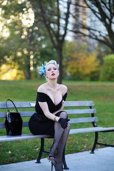 Rachel Ann Jensen, The Femme Fatale! Vintage Glamour, Vintage Lingerie, Vintage Beauty, Trajes Pin Up, Idda Van Munster, The Pretty Dress Company, Vintage Outfits, Vintage Fashion, Nylons And Pantyhose
