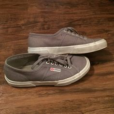 Superga Canvas shoes! Awesome Superga canvas shoes! Photos show light wear, only worn less than 10 times. Size 39/Size 8 (according to the tag on the tounge) I believe they run half a size BIG, as I am a true 8 and they just didn't work for me.... Maybe they can work for you! Make me an offer!! Superga Shoes Sneakers