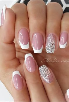 Glittering DIY Pink Square Nail Design, More Suitable For Spring and Summer 2020 - Lily Fashion Style Elegant Nails, Classy Nails, Stylish Nails, Fancy Nails, Pink Nails, Cute Nails, Gel Nails, Nail Polish, Manicure