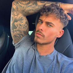 Boys With Curly Hair, Curly Hair Men, Curly Hair Styles, Johnny Depp Hairstyle, Baby Haircut, Beard Model, Man Photography, Hair Tattoos, Attractive Men