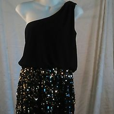 Fun sequined party dress This is in great condition. Pleats on shoulder strap. Measures  approximately 33 1/2 inches from shoulder seam to hem. Snap Dresses One Shoulder