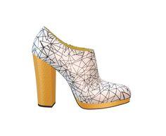 Jetez un oeil sur mon design de chaussures via @shoesofprey - https://www.shoesofprey.fr/shoe/4P6rh8