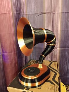 Gramophone Bluetooth speaker by Aaron Rieley #practical
