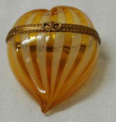 Venetian Zanfirico Heart-Shaped Trinket Box - vintage glass on Ruby Lane #vintageglass #rubylane
