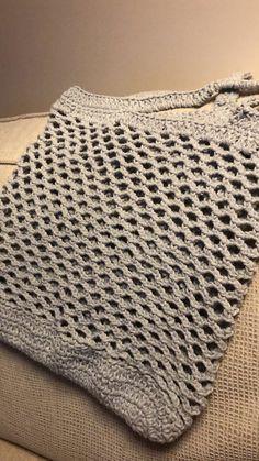 Crochet Top, Women, Fashion, Tote Bags, Tricot, Moda, Fashion Styles, Fashion Illustrations, Woman