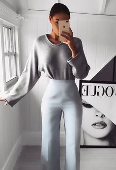 30 Flirty Outfits That Are Perfect For Valentine's Day Whether you're doing couple-y things with your significant other, going out with your besties, or laying a carefully plotted thirst trap, these outfits will slay Valentine's. Night Out Outfit Classy, Classy Going Out Outfits, Classy Chic Outfits, Swag Outfits, Casual Outfits, Fashion Outfits, Ladies Fashion, Work Outfits, Summer Outfits