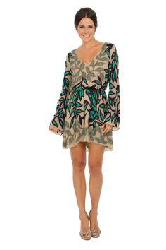 Vestido curto de musseline nude com decote em v e aplicação de bordados em formato de folhas