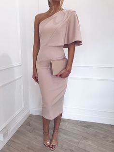 Sienna Dress - Pale Pink, Dress - Pretty Lavish 💙 >>> Kleider >>> Source by dresses Elegant Dresses, Pretty Dresses, Beautiful Dresses, Awesome Dresses, Pale Pink Dresses, Rose Pink Dress, Mode Outfits, Dress Outfits, Fashion Dresses