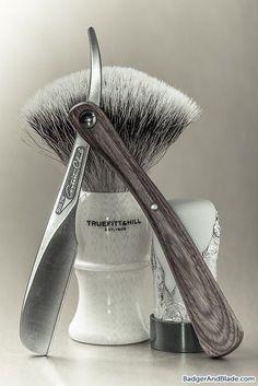 Feather Artist Club DX razor, Truefitt and Hill/Rooney silvertip badger brush, Palmolive shave stick soap. Shaving Tips, Wet Shaving, Straight Razor Shaving Kit, Barber Poster, Home Hair Salons, Barber Shop Decor, The Art Of Shaving, Barbershop Design, Men's Grooming