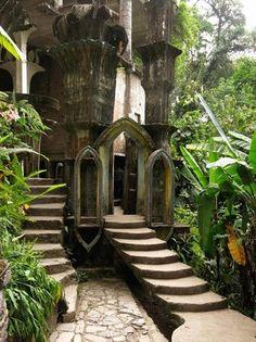 秘密の庭「ラス・ポサス」