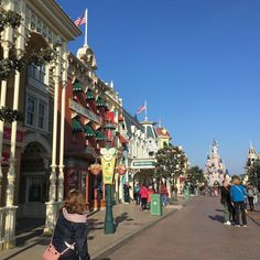 First look at the castle!! Oh I love Disneyland Paris!