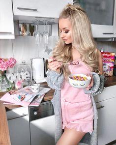 Ganhar Dinheiro como Influenciadora Digital: Descubra como e Influencie na Prática Girly Girl, Pink Girl, Tres Belle Photo, Everything Pink, Girls Life, Pink Aesthetic, Girl Photography, Girl Boss, Poses