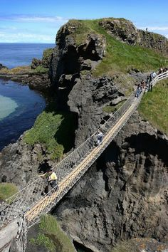 Carrickarade Rope Bridge, Ireland (by Lonely Planet Images)