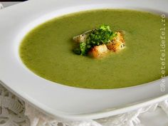 Supa crema de broccoli Soup And Salad, Thai Red Curry, Broccoli, Salads, Food And Drink, Healthy, Ethnic Recipes, Soups, Decor