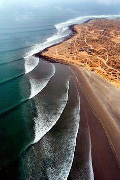 Beautiful and unusal waves. Scopion Bay, Baha California,, Mexico.