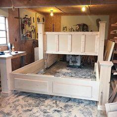 diy storage bed frame DIY Storage Bed--Printable Woodworking Plans and Video Tutorial Diy King Bed Frame, Bed Frame Plans, King Size Bed Frame, King Size Beds, Diy King Size Headboard, Bench Plans, Diy Frame, Diy Bedframe With Storage, Bed Frame With Storage