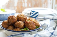 Taste of Greece: keftedakia, herby Greek lamb meatballs <3 #meat #meatballs #greekfood #kosher #glutenfree #meze #lamb