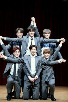 Star Formation Idk Astro that much but this is so cute! K Pop, Kim Myungjun, Day6 Sungjin, Jinjin Astro, Park Jin Woo, Astro Wallpaper, Wallpaper Lockscreen, Wallpapers, Cha Eunwoo Astro