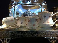 şık yemek ve çay takımları