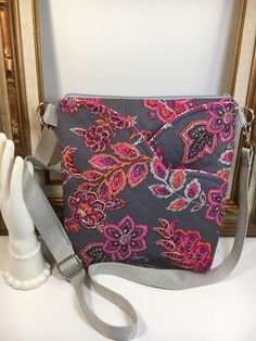 HIPSTER Gray Floral Paisley CROSSBODY Bag Credit Card