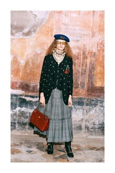 Gucci Pre-Fall 2019 Fashion Show Collection: See the complete Gucci Pre-Fall 2019 collection. Look 10 2010s Fashion, Gucci Fashion, Dope Fashion, Fashion Brands, Vogue Russia, Fashion Show Collection, Vogue Paris, Mannequins, Fashion History