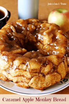 Caramel Apple Monkey Bread ~ Ooey, Gooey Monkey Bread Spiced with Cinnamon!