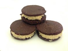 Gluten Free 'Oreo' Cookies with Cashew Filling Oreo Cookies, Cheesecake, Gluten Free, Mint, Desserts, Food, Glutenfree, Peppermint, Tailgate Desserts
