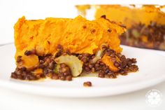 Quick & Healthy Dinner Idea If you're in the mood for comfort food that doesn't set you back then you will love this easy Sweet Potato and Lentil Shepherds Pie! Boiling Sweet Potatoes, Mashed Sweet Potatoes, Shepherds Pie Healthy, Potato Vegetable, Healthy Groceries, Casserole Dishes, Main Dishes, Dinners, Stuffed Peppers