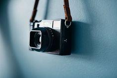 SquareHood - Unique and elegant camera accessories for Fuji cameras Fuji X100, Fuji Camera, Classic Camera, Camera Accessories, Film Photography, Fujifilm, Lens, Gadget, Porn
