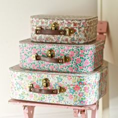 We couldn't resist offering this set of 'Liberty' print style suitcases.  Deliciously whimsical and lovely for sleepovers, crafty bits or just for displaying in your home.   DIMENSIONS: 20 x 29 / 17 x 23 / 10 x 21 cm