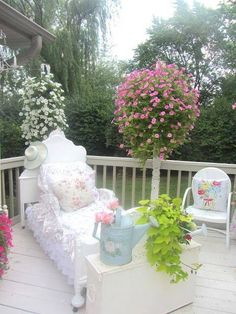 Shabby-chic porch...soo lovely!