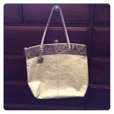 Coach Shoulder Bag Coach pearl white embossed leather purse. Excellent condition. Used only a couple times. Very minimal signs of wear. Coach Bags Shoulder Bags