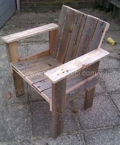 Pallet Furniture Projects Little child pallet chair in pallet furniture pallet outdoor project with wood Pallets Outdoor Chair - I've made one little chair for my son and daughter Old Pallets, Recycled Pallets, Wooden Pallets, Pallet Crafts, Diy Pallet Projects, Wood Projects, Outdoor Projects, Pallet Ideas, Wood Crafts