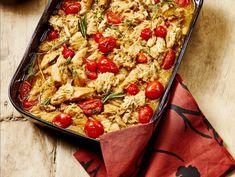 Italiaanse kipstoofpot uit de pan Recepten Vereniging van Keurslagers Skillet, Pasta Salad, Food Ideas, Ethnic Recipes, Crab Pasta Salad