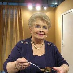 Συνταγές - Βέφα Αλεξιάδου Greek Desserts, No Cook Desserts, Greek Recipes, Oven Recipes, Cooking Recipes, Greek Dinners, Good Food, Yummy Food, Gastronomia