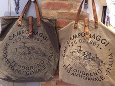 Sac à main Campomaggi J'adore Burlap Bags, Jute Bags, Leather Bags Handmade, Handmade Bags, Diy Sac, Vintage Purses, Fabric Bags, Market Bag, Tote Handbags