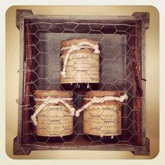 Expositor de melmelades artesanes (porta de la caixa fetà a mà)