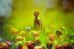 holi // festival of colors // india // © poras chaudhary.