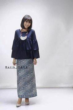 Ygvh Batik Muslim, Kebaya Muslim, Muslim Dress, Modesty Fashion, Hijab Fashion, Fashion Dresses, Batik Kebaya, Batik Dress, Thai Traditional Dress
