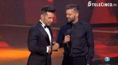 Ricky Martin y Jesús Vázquez, la pareja gay perfecta en La Voz (pineado por @OrgulloWine) #gay #colors #colours #rainbow #pride #freedom #gaypride #BeTrue