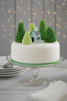 How to Make a Snowy Christmas Cake #Christmas #cake #snow