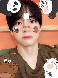 Omg Taehyung is do cute Kookie Bts, Kim Taehyung, Bts Bangtan Boy, Foto Bts, Bts Photo, Bts Memes, Baby Boys, V Smile, Bts Kim