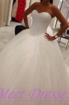 2015 Princess Sweetheart Wedding Dresses Romantic Tulle Wedding Gown With Bling Beadings - Thumbnail 2: