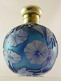 STOURBRIDGE CAMEO GLASS SILVER TOPPED SCENT BOTTLE