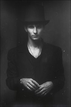 This portrait shows a seemingly more gentlemanly (Possibly dark) side of this man. Portrait Inspiration, Character Inspiration, Nocturne, Party In Berlin, White Photography, Portrait Photography, Dark Circus, Foto Fun, Famous Photographers