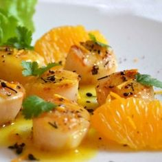 Pan-fried scallops with citrus butter - Trend Appetizer Fine Dining 2019 Appetizers For Party, Appetizer Recipes, Pan Fried Scallops, Winter Food, Fine Dining, Food Inspiration, Easy Meals, Food And Drink, Favorite Recipes