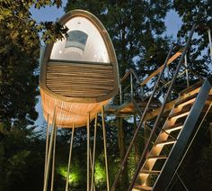 Imightbetotallywrongbutima... - afinedesign: Baum Raum tree house.